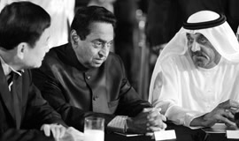 H.E. Dr Thaksin Shinawatra, Former Prime Minister of Thailand, H.E. Kamal Nath, Union Minister of Urban Development and Parliamentary Affairs, Government of India, and H.H. Sheikh Ahmed Bin Saeed Al Maktoum, Chairman, Emirates Airline & Group at the ABLF Awards 2013