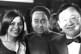 Ms Malini N. Menon, Founder & Managing Director, IEDEA, with H.E. Kamal Nath, Union Minister of Urban Development and Parliamentary Affairs, Government of India, and H.E. Dr Thaksin Shinawatra, Former Prime Minister of Thailand, at the ABLF Awards 2013